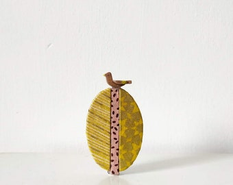On the top of tree Brooch 5 - Yellow/Gold/Pink
