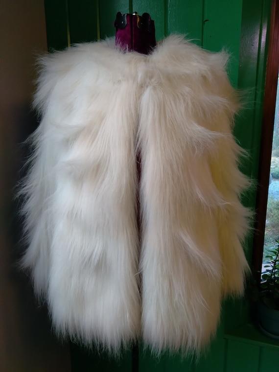 Glam Monster - Vintage WHITE FAUX FUR Coat 1970s 8