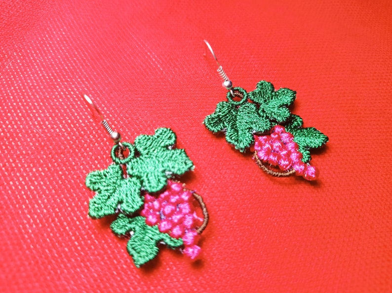Boucles d/'oreilles rouges Embroidered gift for her Machine embroidery Grapes embroidery Embroidered grapes Embroidered earrings