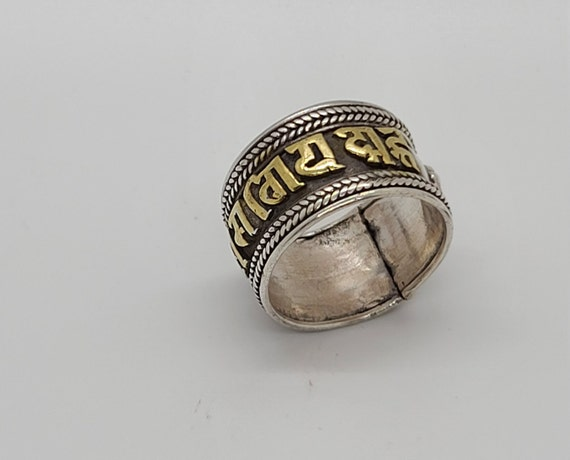 handmade in Nepal Sterling Silver Ring with Gold Plated Om Mane Padme Hum Nepali Characters