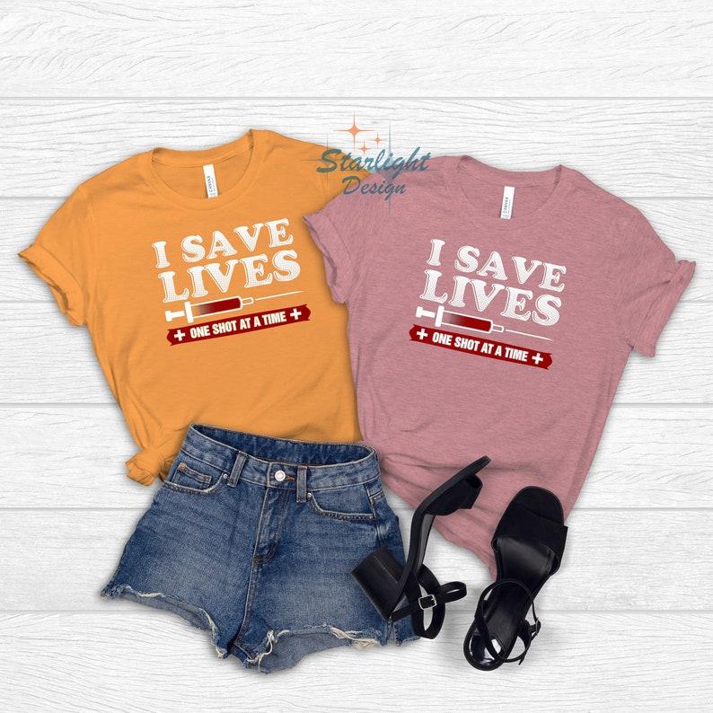 Gearhuman – I Save Lives T-Shirt Vaccinate Shirt Vaccinated Tee Pro  –  Tshirt