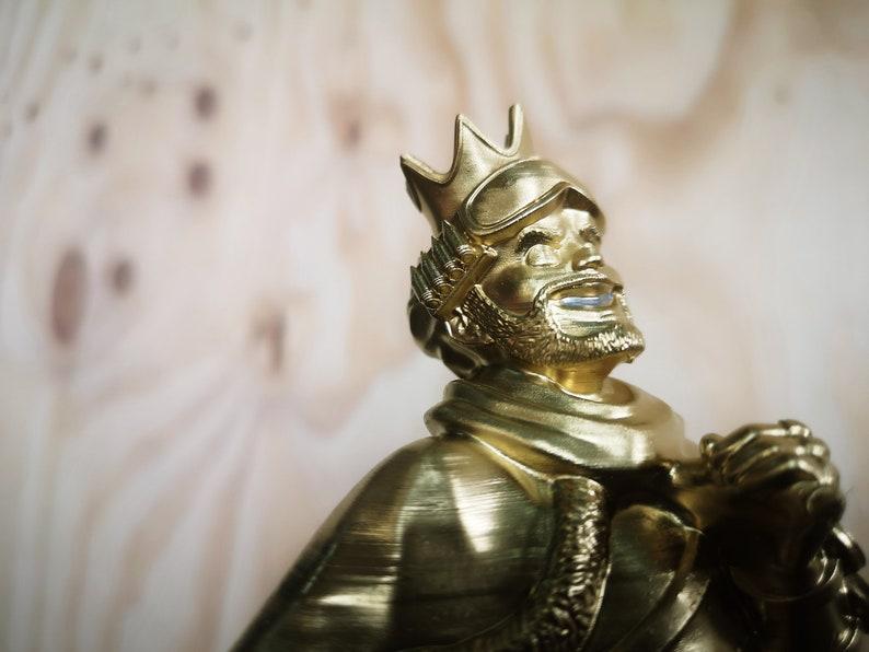 Mirage Heirloom Apex Legends Replica Statue Trophy