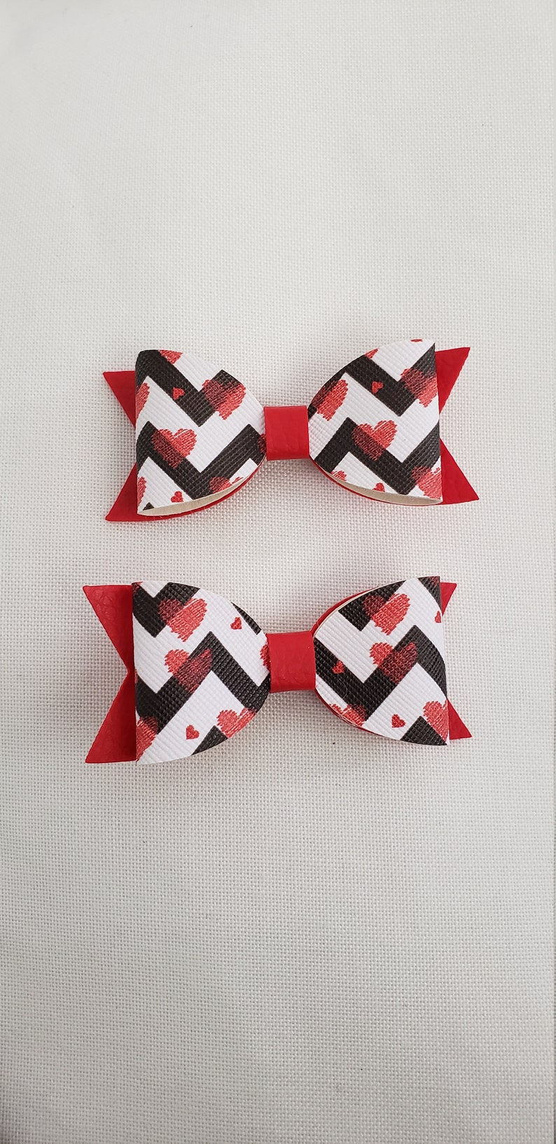 Valentine/'s Day bow love and hearts piggy tail bows Faux Leather Hair Bow