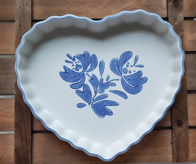 Vintage Pfaltzgraff yorktowne heart shaped quiche dish image 0