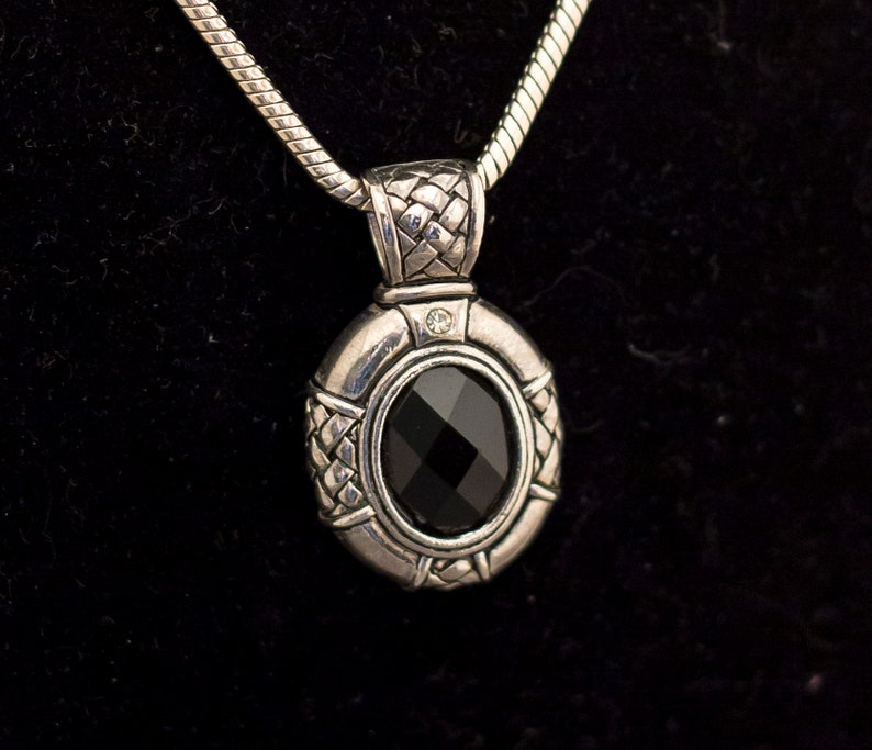 Vintage Gothic Silver Tone Pendant Necklace 20 Inches G7