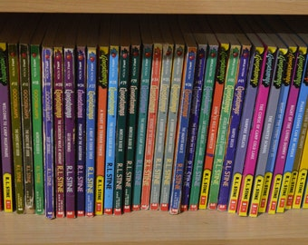 Goosebumps R.L Stine Original Series 1- 62 Choose From List Vintage horror/ mystery books/  Choose from list