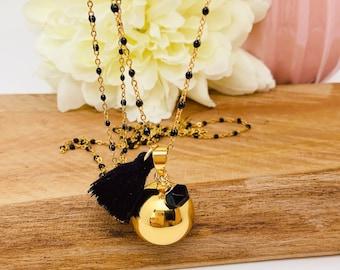 Pregnancy bola chain black resin and black agate charm