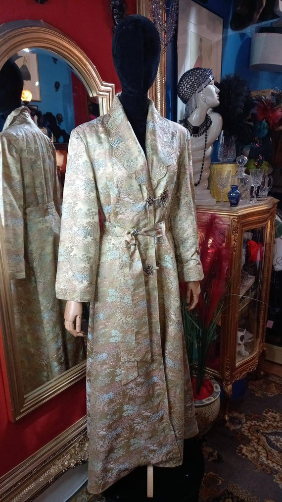 1930s silk dressing gown.
