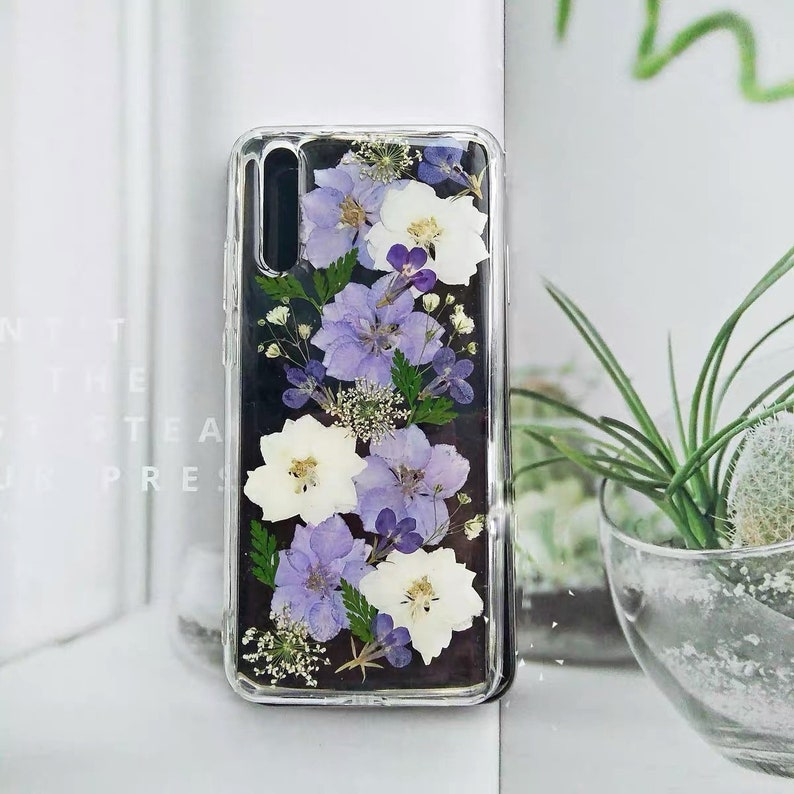 purple pressed real dried  flowers phone case  cute phone case  pressed flowers  pretty phone case  perfect gift for her  IPhone10 11