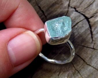 Raw aquamarine ring, 925 sterling silver ring, gemstone rings for women, blue stone ring, raw aquamarine jewellery, Australia seller shop