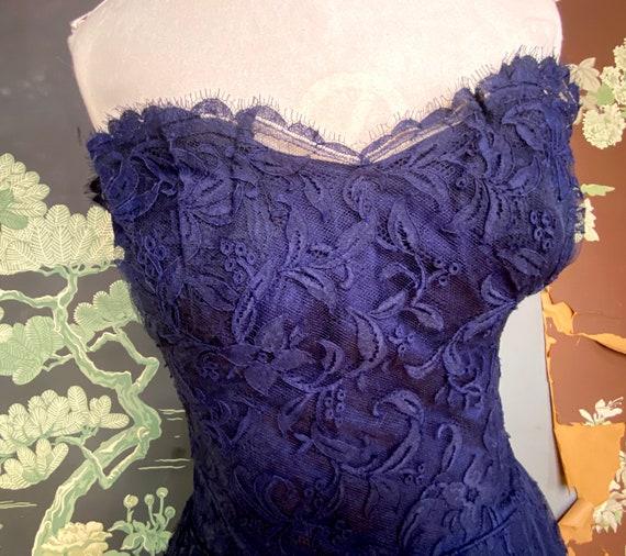 1950s navy blue lace Ceil Chapman cocktail dress - image 6