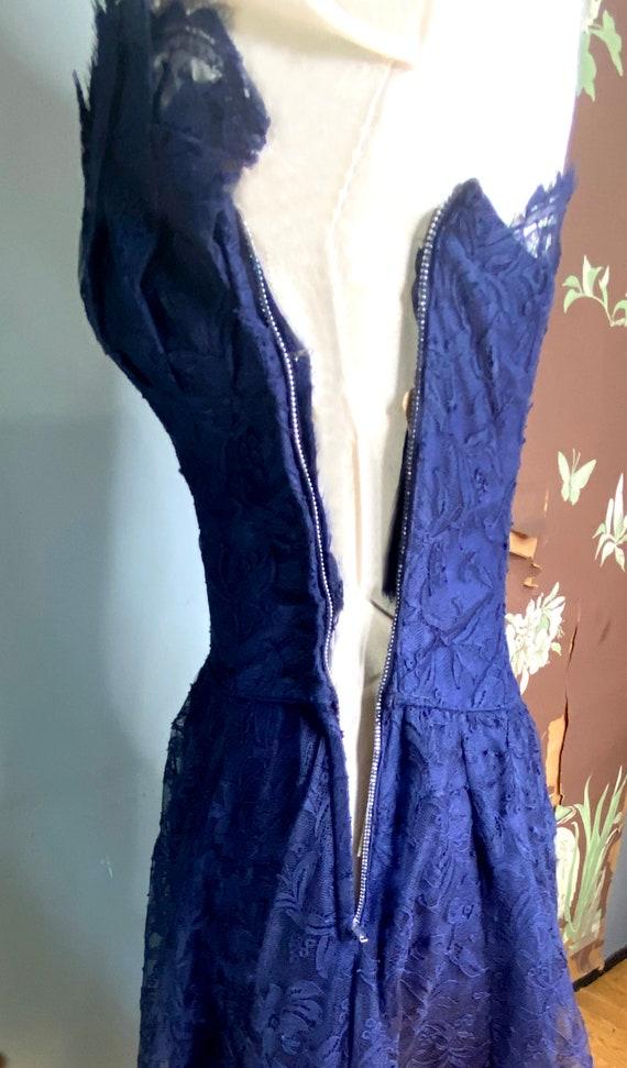 1950s navy blue lace Ceil Chapman cocktail dress - image 5