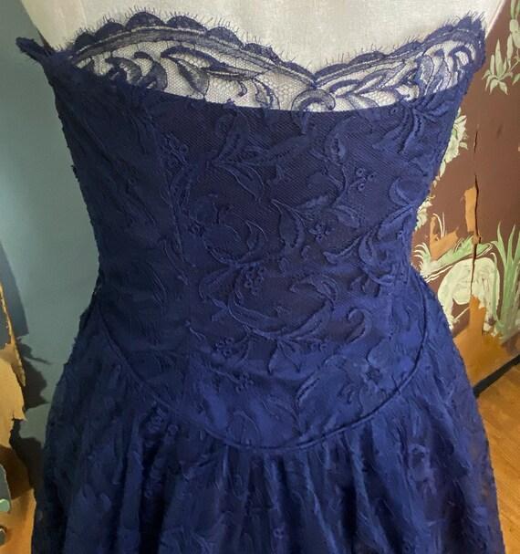 1950s navy blue lace Ceil Chapman cocktail dress - image 4