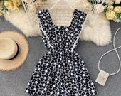 Women Floral Strap Rompers Retro Hollow Square Collar Sleeveless Wide Leg Short Rompers Casual Fashion Print Rompers