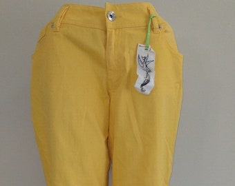 available VINTAGE 1980/'s Ladies Peach Capri Jeans by Boom Boom Jeans