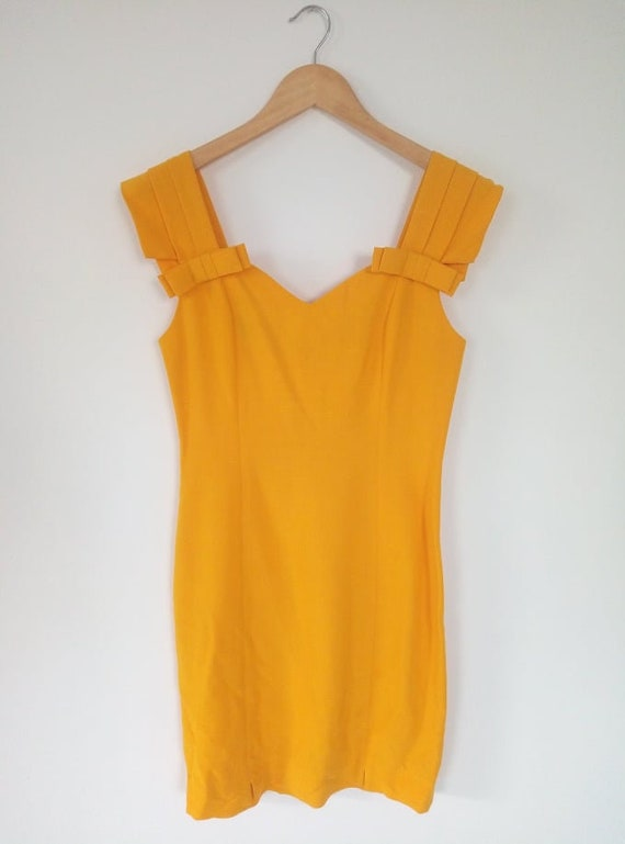 1960 yellow dress