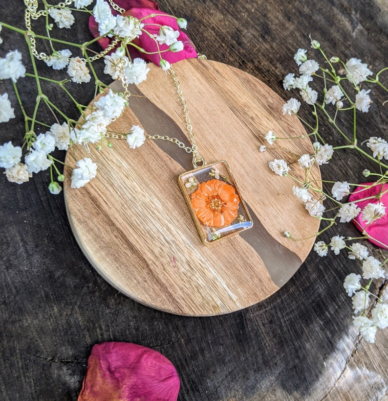 Valentine/'s gift handmade floral necklace pressed flower necklace gold resin flower necklace real flower necklace gift for her