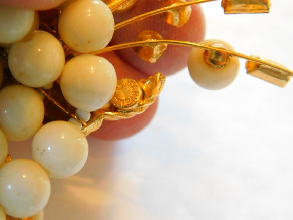 Signed Marvella  jeweled-faux pearl necklace - image 3