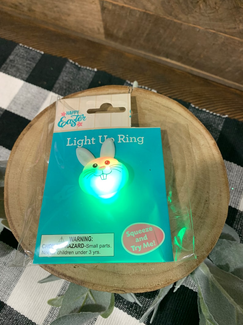 CUTE  Kids Easter Bunny Flashing Light Up Ring great For Easter Basket!!!