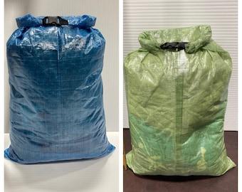 Dyneema ultralight roll-top bag