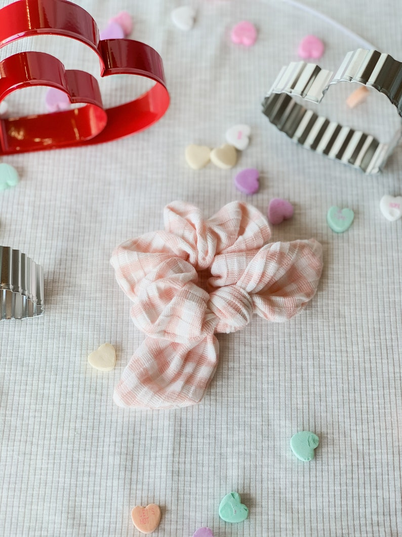Pink and White Scrunchie