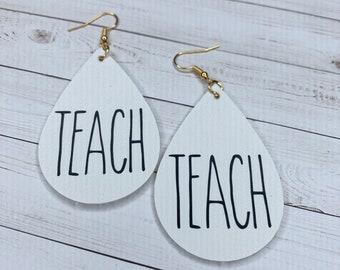 Teach earrings / Teacher earrings Dunn inspired
