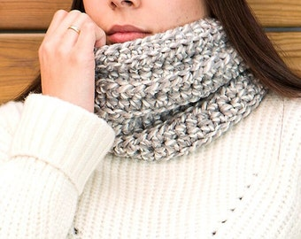Hand knitted wool scarf, elegant crochet neck, soft wool collar for women, coll flat for men, gift ideas, various colors, wool necklace