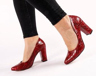 Vintage lacquered heel shoes Crocodile leather shoes Black high heel shoes Vegan Patent Leather shoes Size EU 37 UK 4 US women 6.5
