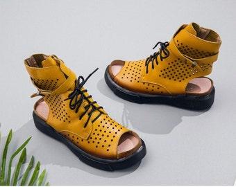 Open-end leather gladiator gladiator sandals