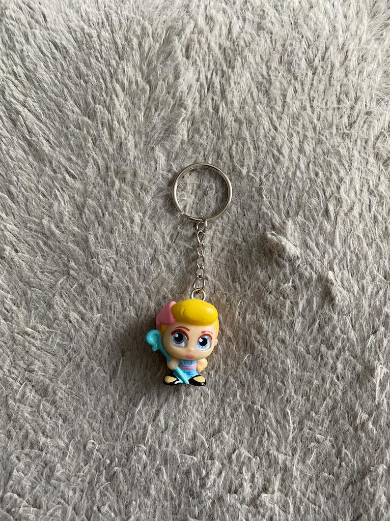Doorables bow peep keychain