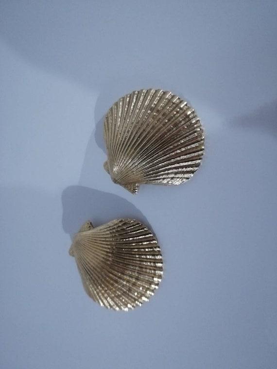 Yves Saint Laurent Vintage Shell  clip on earrings