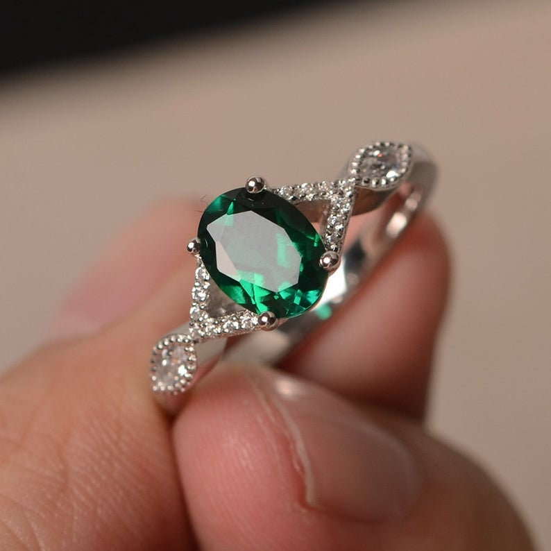 Natural Emerald Ring Oval Emerald Engagement ring Dainty ring 925 SterlingSilver ring Gift for her Ring for woman Promise ring Delicate ring