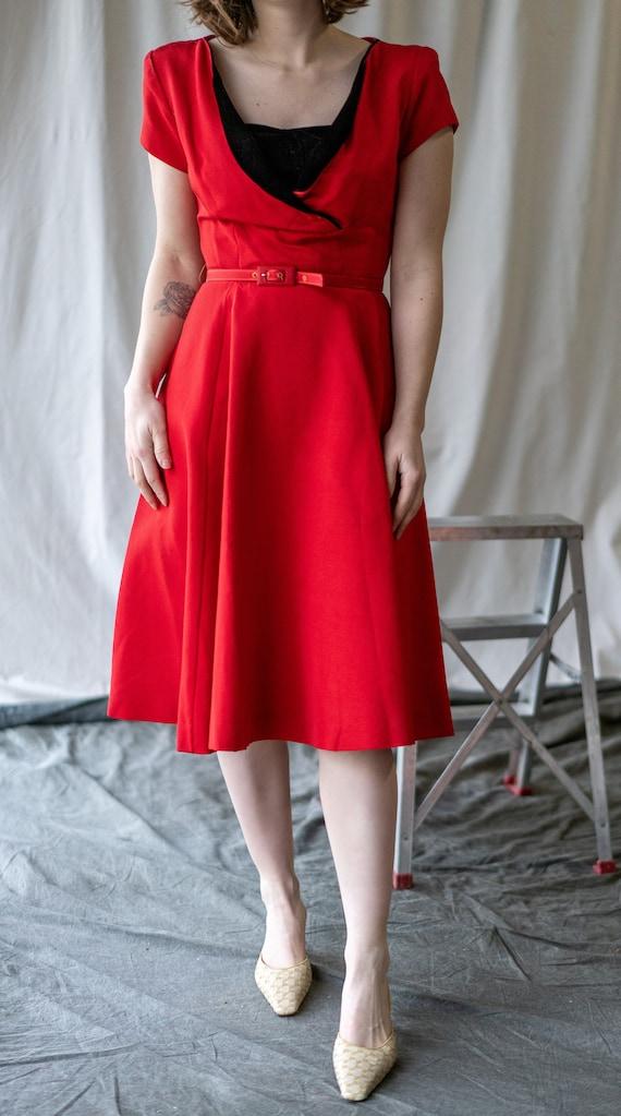 30's velvet trim sweetheart neckline swing dress