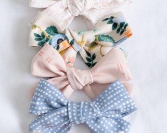 Hair clip,Hair Accesories,Hair Bows,Bows,giro Bow Vinyl Bows,Vinyl Hair Bows,Baby Hair Bow Baby Bows,Baby Bow clip,Hair Bow