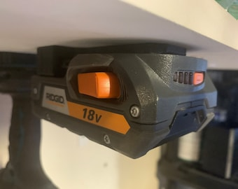 Ridgid locking battery holder