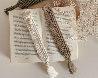 All sorts of knot sandal bookmarks