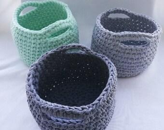 Crochet round basket