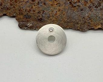 Round Pendant (Silver 925) with Brilliant (0.03 ct TW - VSI)