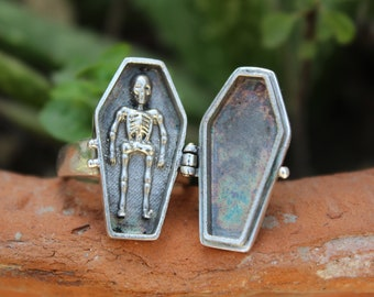Vintage Coffin Poison Ring|Pill Box~Locket|Snuff Ring|Poison Ring|Secret Compartment|Boho Hippie|925 Sterling Silver Plated|
