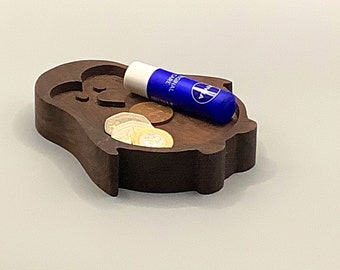 Wooden coin jewellery dish. Character, animals, bespoke, personalised.