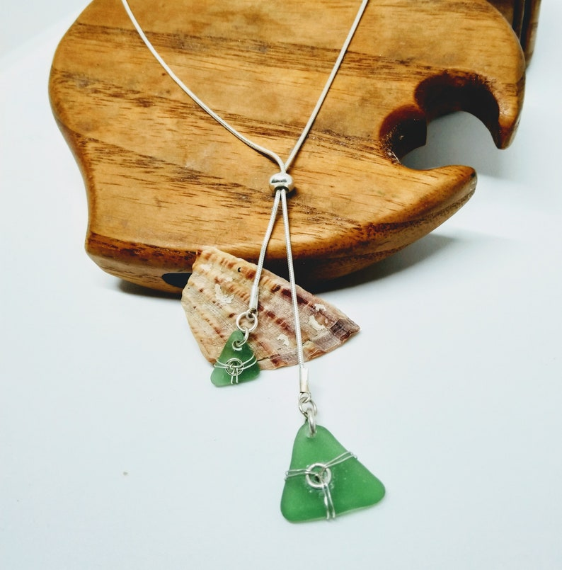 Emerald green sea glass necklace / green necklace / green image 0