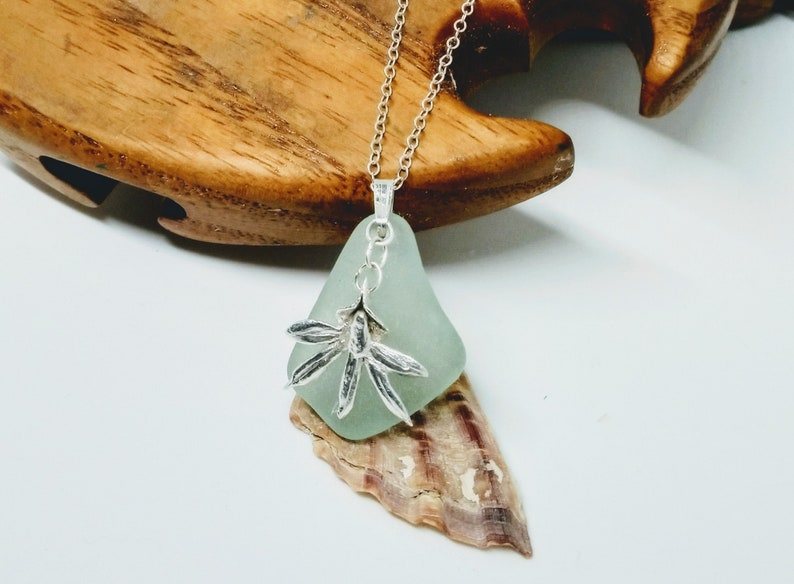 Sea foam sea glass necklace / silver orchid necklace / image 0