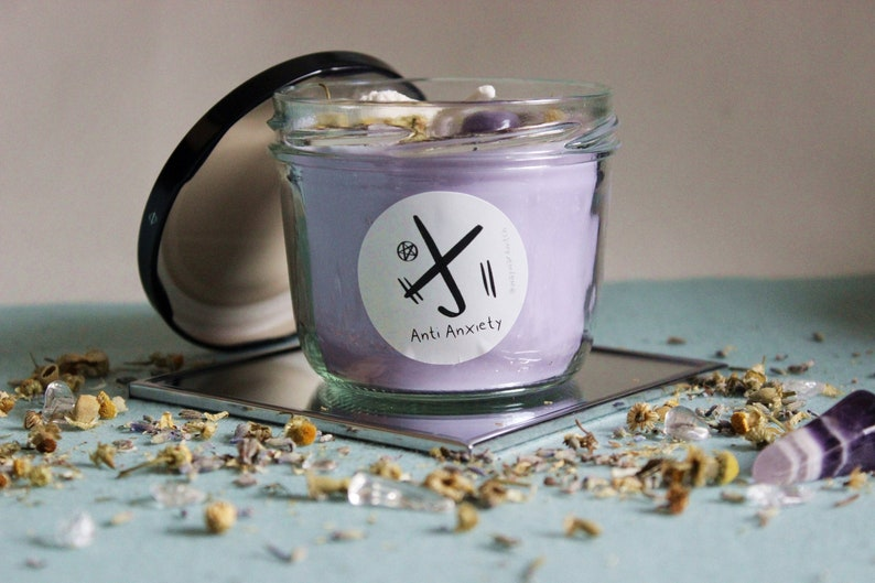 Vegan Anxiety relief Amethyst Lavender Crystal 230 ml Spell Candle Soy Wax 7,78 oz Anti Anxiety