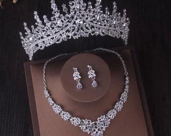 Bridal Tiara Set, Wedding jewelry Set, Bridal Necklace Earring Tiara, Silver Women Wedding Tiara Set, Crystal Tiara Set, Bridal Accessories