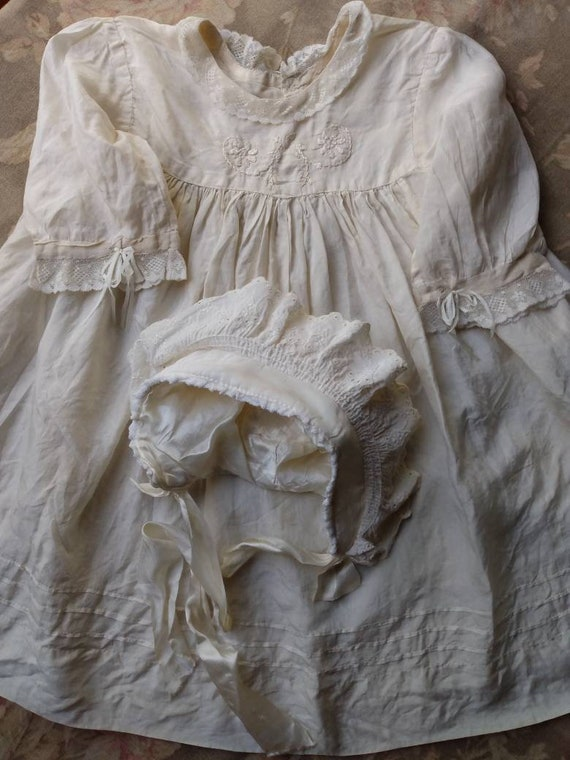 1920's Little Girl's Silk Dress & Bonnet - image 8