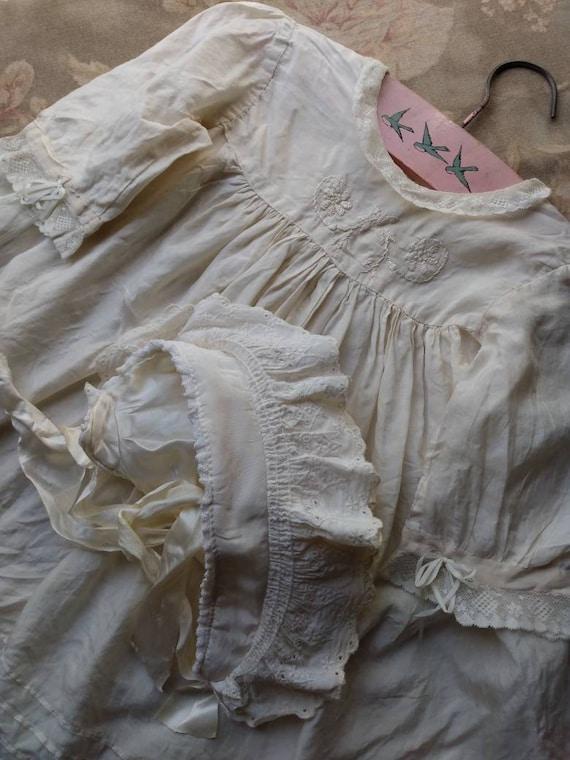 1920's Little Girl's Silk Dress & Bonnet - image 10