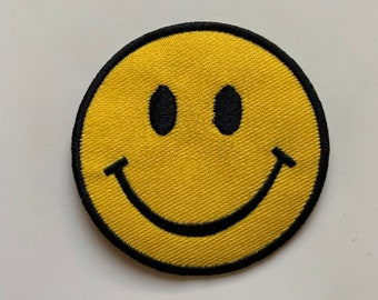 """SMILEY-J FACE Embroidered 2.75/"""" Round Patch Iron On"""