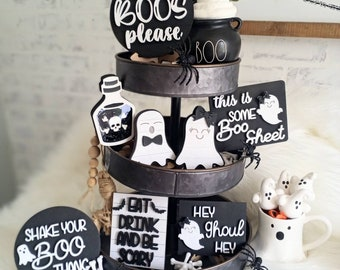 Halloween tier tray. Mini signs for Tier tray. Ghost Tier Tray. Ghost signs.Ghost decor. Ghost Displays. Displays for Halloween. Tier tray.
