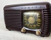 Vintage Zenith Mantle Radio, 1940s