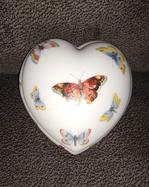 Limoges Butterfly France Jewelry Box / Heart trinket box / Art Deco / porcelain jewelry box / vintage collectables / estate collection